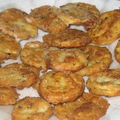 Fried Yellow Squash Recipe-Ingredients 1  yellow squash (medium)  1 cup  flour  1 cup  oil (frying)  1 tsp  kosher salt  1 tsp  white pepper  1 tbsp  parsley  1/4 cup  milk  1  large egg.