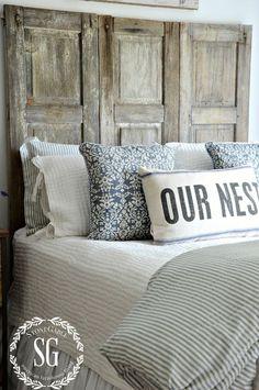 BLUE AND WHITE GUEST ROOM-bed-stonegableblog.com