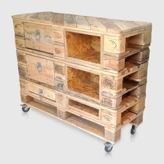 Industrial Style Chest of Drawers. Stylish UK Bedroom Dresser / Vanity Unit or Lowboy. Upcycled, Recycled, Reclaimed Pallet Wood Furniture