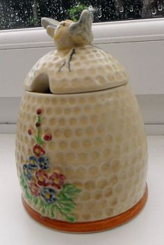 Beautiful Vintage Jam/Honey/Preserve Pot by Price Kensington 'Honeycomb'