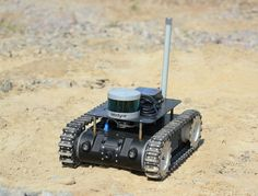 Combat Robot, Military Robot, Mobile Robot, Robot Design, Rc Drone, Chenille, Electronics Projects, Binoculars, Vehicles