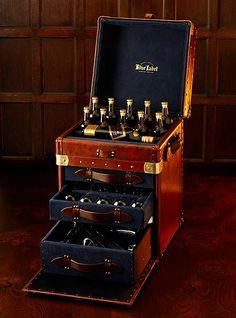 Johnnie Walker Blue Label blending, travel and display case
