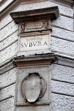 """-Suburra- Como contraste, no lado occidental, atopábase a Suburra, o barrio """"chinés"""" de Roma, un lugar moi pouco recomendable, sucio, perigoso e frecuentado por todo tipo de maleantes, prostitutas, ladróns, bandidos."""