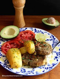 Columbian Sudado de Posta o Muchacho (Beef Round Steak Stew) My Colombian Recipes, Colombian Food, Fun Easy Recipes, Easy Meals, Beef Round Steak, Mixed Vegetables, Latin Food, Easy Salads, World Recipes