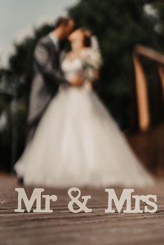 Mr Mrs, Wedding Dresses, Fashion, Bride Dresses, Moda, Bridal Gowns, Fashion Styles, Weeding Dresses, Wedding Dressses