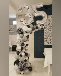 Ideas birthday party decorations balloons for 2019 Balloon Columns, Balloon Arch, Balloon Garland, Balloons And More, Number Balloons, Birthday Balloon Decorations, Balloon Centerpieces, Ballon Arrangement, Deco Ballon