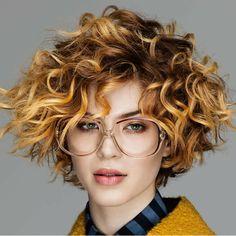 Quizá, hayas podido llegar a pensar que no existe un corte de pelo para cabello rizado perfecto para ti. Cuando tienes el cabello rizado, la mayoría solo piensa que este tipo de cabello...