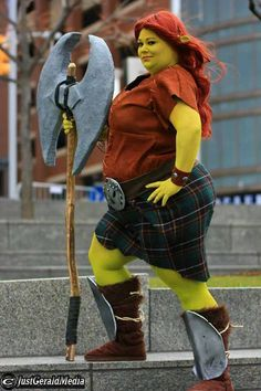 Fiona from Shrek Cosplay. Sweets4aSweet Cosplay look absolutely amazing as the warrior Fiona from Shrek Forever After! She really nails the character... :D