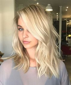 Trendy Long Blonde Hairstyles for Women to Look Pretty