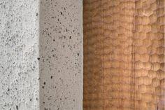 Pedevilla Architects, Bruneck, Wohnhaus am Mühlbach in Taufers, Südtirol, Italien, 2014, Ansicht Außenraum, Eingangsportal, Wand, Foto Gustav Willeit