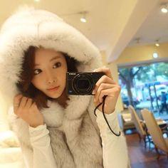 #fur #winter #pels #pelz #furfashion #faux #furfaux #furcoat #coat #fashion #pelt #fell #fauxfur #winterfashion #pelzmode #pelzmantel #pelzjacke #furlove #realfur #luxury #luxury #furry #rich #pelliccia
