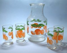 Orange Juice Pitcher and Glasses.we had this, or you wouldn't know you were actually drinking orange juice. Retro Vintage, Vintage Toys, Vintage Stuff, My Childhood Memories, Great Memories, School Memories, Vintage Dishes, Vintage Glassware, Vintage Kitchenware