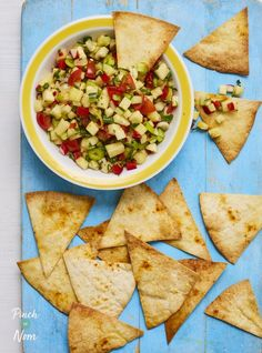 This Pineapple Salsa is incredibly easy to prepare and a great slimming friendly accompaniment whether counting calories or following Weight Watchers! Nutritious Snacks, Easy Snacks, Pinch Of Nom, Pineapple Salsa, Coleslaw, Weight Watchers Meals, Guacamole, Nom Nom, Side Dishes