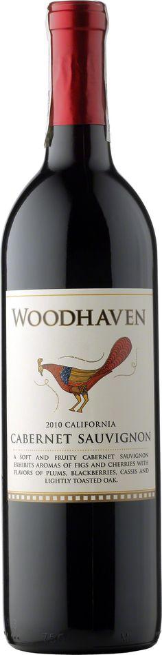 Woodhaven Cabernet Sauvignon • 32,99 zł Delikatne i owocowe wino o aromacie fig, czarnych wiśni oraz cedru. Wyczuwalne w nim są także nuty śliwek, jeżyn a także czarncyh porzeczek, które podkreślone są delikatną dębiną. Winogrona ze szczepu Caberner Sauvignon, Alicante, Malbec, Petite Sirah oraz Tempranillo pochodzą z wyselekcjonowanych winnic w Północnej Kalifornii.