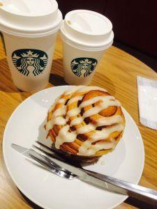 【食後のコーヒーと】本場アメリカンなシナモンロールならスターバックス!