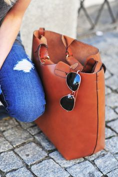 Leather tote bag for fall