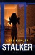 Lars Kepler: Stalker : een Joona Linna thriller (2014) Thriller waarin vrouwen op gruwelijke wijze vermoord worden,nadat iemand filmpjes van hen op YouTube geplaatst heeft.