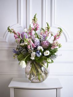 A round vase is perfect for a table centrepiece or as a finishing touch to a vintage styled room