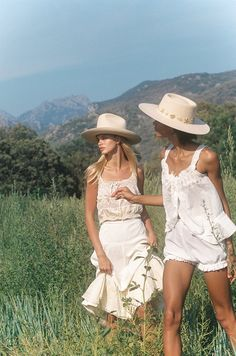 Lack of Color Hats on Bloom. Our new collection featuring 21 new styles. Celebrates long days by the pool, dreamy countryside escapes and the carefree days of Summer Aesthetic, Aesthetic Fashion, Aesthetic Indie, Looks Country, Country Life, Summer Outfits, Cute Outfits, Beach Outfits, Indie Outfits