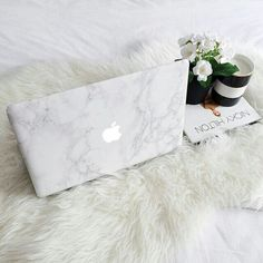 In addition to elegant, apple reveals that both are passionate about. Funda Macbook Air, Macbook Case, Macbook Skin, Coque Mac, Accessoires Iphone, Marble Case, Coque Iphone, Apple Products, Christmas Wishes