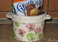 Flower Pot decoupage by Ayadeco
