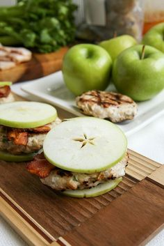 Paleo Chicken Apple Bacon Sliders! A juicy patty studded with crispy bacon crumbles and grated green apple for a burger bursting with sweet and smoky flavor.