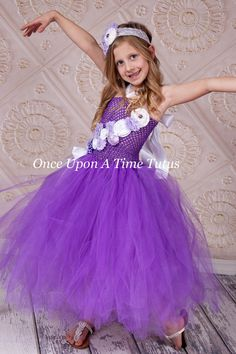 Lila Lavendel weiss Blumenmädchen Tutu Kleid von OnceUponATimeTuTus