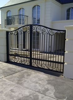 A unique wrought iron gate by Adoore Iron Designs located in Melbourne Australia… Steel Gate Design, Front Gate Design, Main Gate Design, House Gate Design, Door Gate Design, Wrought Iron Driveway Gates, Metal Garden Gates, Wrought Iron Doors, Wrought Iron Gate Designs