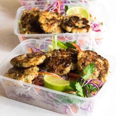 Im all about fun meal preps, and this is my favourite by far! I love the freshness from the salad, it works perfectly with the fish cakes. Fish Recipes, Asian Recipes, Healthy Recipes, Recipies, Healthy Foods, Yummy Recipes, Thai Fish Cakes, Clean Lunches, Work Lunches