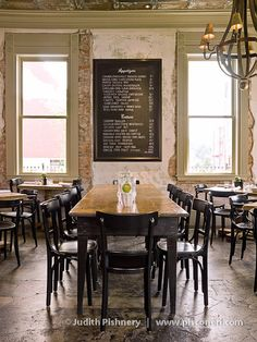Parish Foods & Goods: restaurant & market Love this look! Restaurant Concept, Cafe Restaurant, Restaurant Design, Restaurant Ideas, Brooklyn Kitchen, Restaurant Marketing, Coffee Shop Design, Paris Restaurants, Cafe Interior