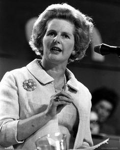 """En plena #GuerradelasMalvinas, el Presidente Reagan y el Presidente Belaunde de #Peru enviaron los planes de paz. Margaret Thatcher dijo: """"¿Plan de paz?, no habrá pacificación, esta es una guerra. Es una guerra que ellos empezaron, y por Dios, nosotros la vamos a terminar."""" #Malvinas #Falklands"""