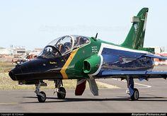 South Africa - Air Force 272 aircraft at Ysterplaat - Cape Town South African Air Force, British Aerospace, Aircraft Painting, Cheetahs, Jet Plane, Aeroplanes, Air Show, Military Art, War Machine