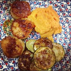 Salad Girl Nat: Salads, Soups, Main Courses and More: Seared Scallops w Roasted Farm Fresh Zucchini and Mashed Sweet Potatoes