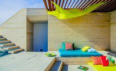 S'abriter... #Decoration_exterieur #Outdoor_design   ► D'azur et de pierre #LycOdeco www.lycodeco.com