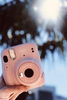 Polaroid Camera Pictures, Polaroid Camera Instax, Polaroids, Pink Camera, Cute Camera, Fuji Instax Mini, Fujifilm Instax Mini, Video Camera, Camera Gear