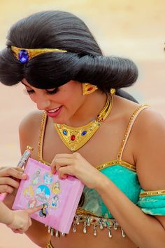 Jasmine) *signs little girls book* *says in my jasmine voice* awe! You are too adorable! You will make a wonderful and beautuful princess! The little girl) where is prince aladdin? Real Disney Princesses, Disney Princess Jasmine, Aladdin And Jasmine, Disney Girls, Disneyland World, Walt Disney World, Disney Pixar, Disneyland Paris, Disney Dream