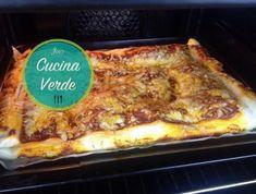 Blätterteig-Margherita Pizza - Rezept von Joes Cucina Verde Snacks, Lasagna, Ethnic Recipes, Food, Party, Youtube, Kids Pizza, Puff Pastry Recipes, Kid Recipes