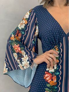 Sexy Outfits, Trendy Outfits, Kurti Sleeves Design, Modelos Fashion, Ankara Gown Styles, Sneakers Looks, Fade Styles, Beautiful Blouses, Zara Women