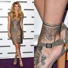 Olivia Buckland has a beautiful mandala tattoo around her left ankle. Ankle Cuff Tattoo, Ankle Foot Tattoo, Ankle Tattoo Designs, Foot Tattoos Girls, Ankle Tattoos For Women, Girl Tattoos, Tatoos, Anklet Tattoos, Leg Tattoos