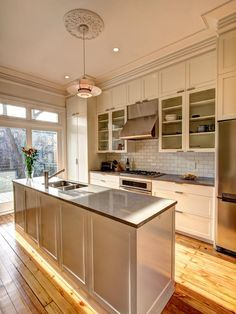 Traditional Kitchens from Ben Herzog on HGTV