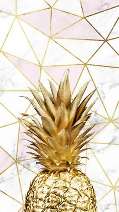 Cell phone wallpaper that has a pineapple in golden color with triangles . Fondo de pantalla de celular que tiene una piña en color dorado con triángulos… Cell phone wallpaper that has a pineapple in golden color with triangles … # Tumblr Wallpaper, Cute Wallpaper Backgrounds, Pretty Wallpapers, Aesthetic Iphone Wallpaper, Screen Wallpaper, Cool Wallpaper, Mobile Wallpaper, Aesthetic Wallpapers, Marble Wallpapers