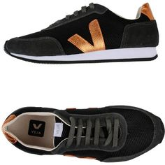 Master&muse X Veja Sneakers ($153) ❤ liked on Polyvore featuring shoes, sneakers, black, multi colored sneakers, colorful sneakers, flat sneakers, black shoes and round cap