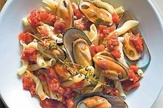 New Zealand green-lipped mussels with tomato sauce