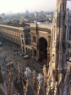 Milaan: De dom is prachtig maar ook de naastgelegen galleria is erg mooi. En de Scala natuurlijk.