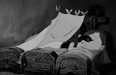 Buenas Noches Dulces Sueños GIF - Tenor GIF Keyboard - Bring Personality To Your Conversations Disney Dream, Disney Love, Disney Magic, Disney Pixar, Cartoon Cartoon, Night Gif, Good Night, Snow White 1937, Seven Dwarfs