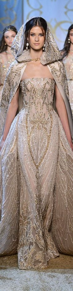 Not the cape, just the dress/hips Elie Saab Haute Couture Fall-Winter absolutely gorgeous Trendy Dresses, Elegant Dresses, Nice Dresses, Fashion Dresses, Formal Dresses, Club Dresses, Fashion Clothes, Style Couture, Couture Fashion