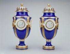 Sèvres porcelain factory Vase solaire c. 1772-75 Soft-paste porcelain, bleu nouveau ground, gilded decoration and gilt bronze
