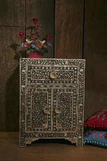 MOP side cabinet with T.O.Life and cushionshttp://www.irisfurnishing.com/Mother-of-Pearl-Inlay-Furniture-s/1514.htm