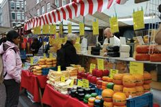 The cheese industry in Holland is one of its main economic drivers. Cheese and flowers are the largest Dutch exports. German Cheese, English Cheese, Dutch Cheese, Italian Cheese, Cheese Brands, Cow Cheese, Dutch People, Going Dutch, Types Of Cheese