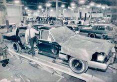 900 Vintage Car Dealerships Commercials Factory Shows Ideas In 2021 Car Dealership Dealership Vintage Cars